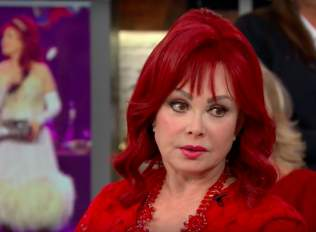 Naomi Judd Pens Letter of Hope to Those With Depression, Anxiety 1