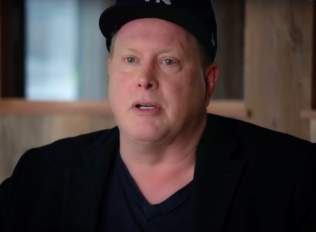 SNL's Darrell Hammond Chronicles His Journey To Sobriety In New Doc 1