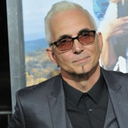 Everclear's Art Alexakis, Nearly 30 Years Sober, Talks Addiction & Recovery