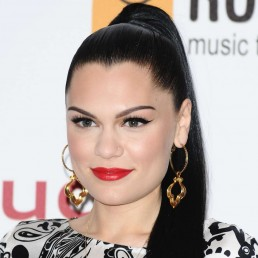 Jessie J Cries In Emotional Video About Depression, Vulnerability