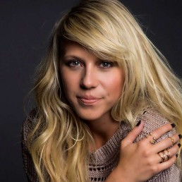 Beyond Addiction: Jodie Sweetin on Acting, Social Media, and the Gifts of Sobriety