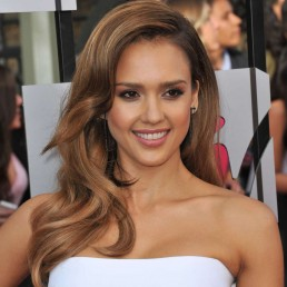 Jessica Alba Attends Therapy With 10-Year-Old Daughter