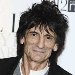 Rolling Stones Guitarist Ronnie Wood Talks Sobriety, Mick Jagger's Surgery