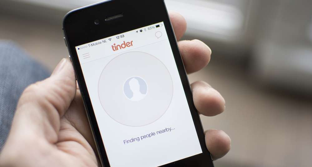 Study: Tinder Users More Likely To Have Eating Disorders