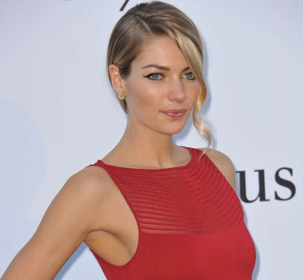 Model Jessica Hart Speaks On Why She Embraced Sobriety