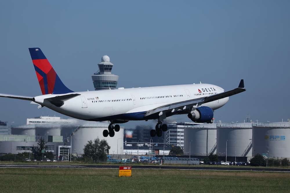 Delta Planes To Carry Narcan After Passenger Dies Of Overdose