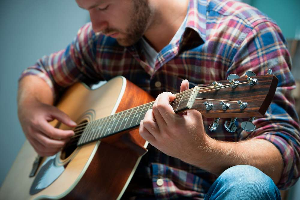 """Send Me A Friend"" Program Helps Musicians Stay Sober"