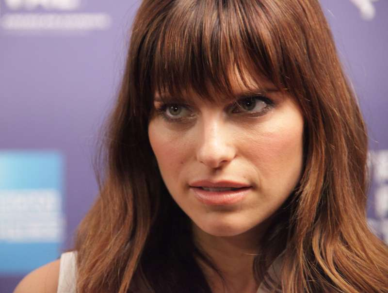 Lake Bell Details Traumatic Home Birth To Destigmatize Psychiatric Meds