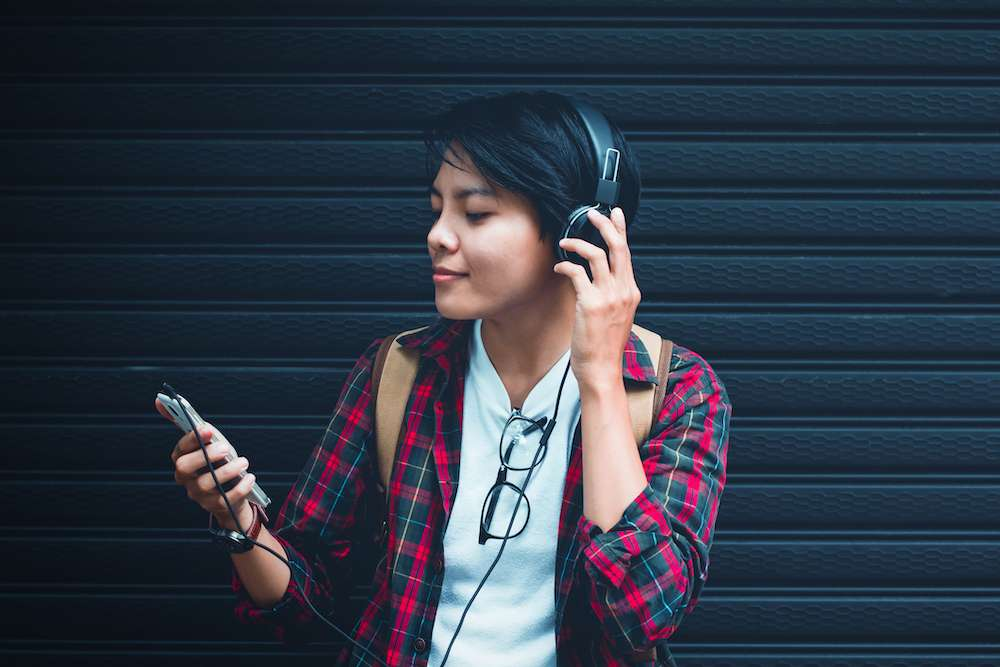 """""""Screenagers"""" Doc Explores Teens' Relationship With Tech, Mental Health"""